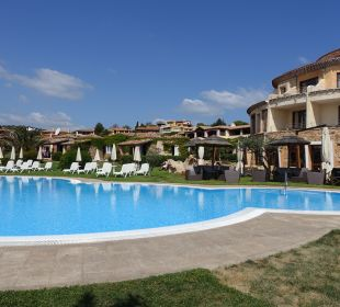 Pool Hotel Baia Caddinas