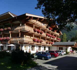 Außenansicht Hotel Almhof