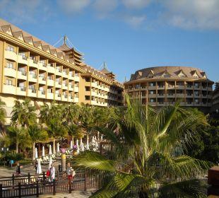 Linker Trakt und Haupthaus Hotel Royal Dragon