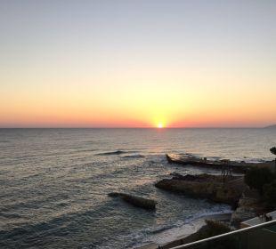 Sonnenaufgang vom Balkon Hotel Golden Beach
