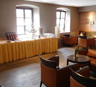 Die geräumige Kaffee/Teeecke Hotel Bon Alpina