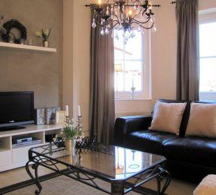 Wohnzimmer mit LCD-TV, DVD Hifi Country-Suites Landhaus Dobrick Am Schultalbach