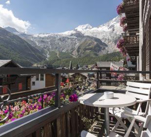 Balkon mit Gletschersicht - Sunstar Hotel Saas Fee Sunstar Boutique Hotel Beau-Site Saas-Fee