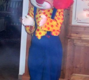 Clown Happy in der Kinderdisco Familotel Seitenalm