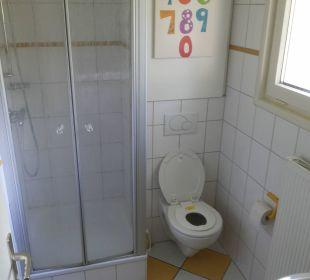Badezimmer in Familienzimmer