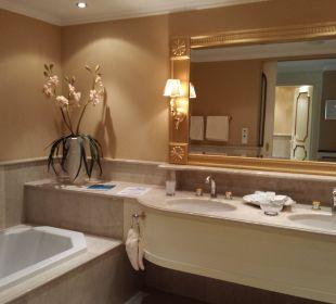 Das schöne Bad - Suite Deluxe Hotel Schwarzenstein