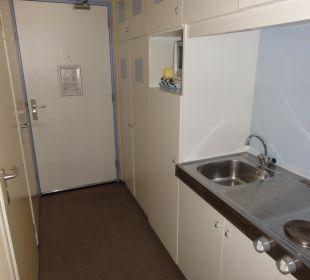 Kleine Küche im Zimmer mit Herd & Kühl Center Parcs Park Zandvoort Strandhotel
