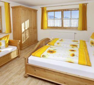 Schlossblick Schlafzimmer Ferienwohnungen Berghof Kinker
