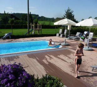 Pool mit Spielplatz und Fußballplatz Hotel Landgasthof Hubertus