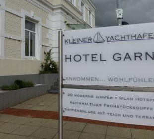 Außenansicht Hotel Kleiner Yachthafen