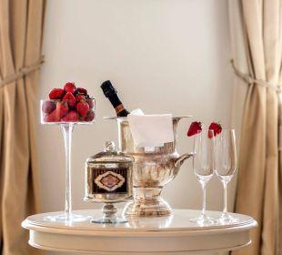 Prickelnder Sekt & köstliche Erdbeeren Hotel Hanswirt