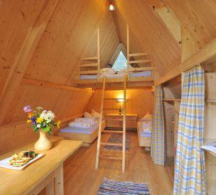 Abstellmöglichkeiten und Stromversorgung feel free Adventure Camp