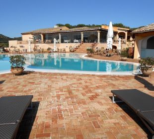 Liegen am Pool Hotel Parco Degli Ulivi