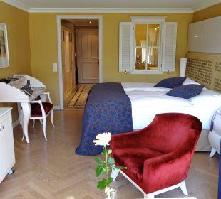 Junior Suite in Blautönen mit schönen Materialien Lenkerhof Gourmet Spa Resort