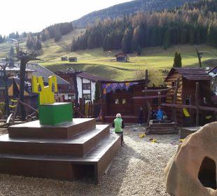 Kinderspielplatz  Leading Family Hotel & Resort Alpenrose