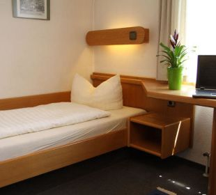 Einzelzimmer Kategorie B Hotel Waldhorn Stuttgart
