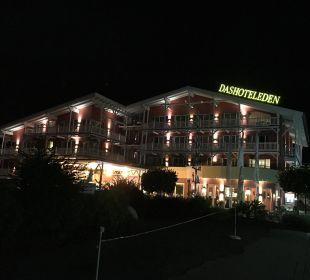 Hotel bei Nacht Das Hotel Eden