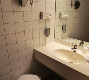 Bedezimmer Victor's Residenz Hotel Berlin Tegel