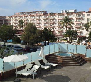 Sonnenterrasse mit Whirlpool/Jaccuzi JS Hotel Sol de Alcudia