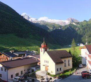 Blick vom Zimmerbalkon zum Hintertuxer Gletscher Hotel Klausnerhof