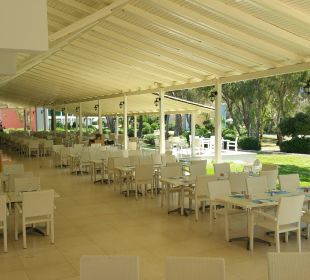 Außenbereich des Restaurants Hotel Louis Zante Beach