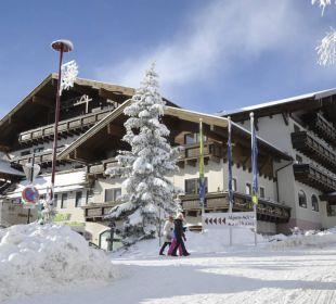 Außenansicht Winter Lärchenhof Hotel Lärchenhof