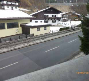 Blick zur lauten Strasse Family Hotel Schloss Rosenegg