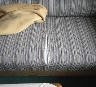 Sofa auf dem Zimmer Forsthaus Graseck (Vorgänger-Hotel – existiert nicht mehr)
