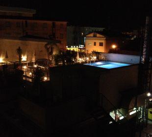 Pool bei Nacht Hotel Eden Lido Di Jesolo