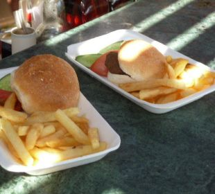 Snacks an der Strandbar Melia Sharm Resort & Spa