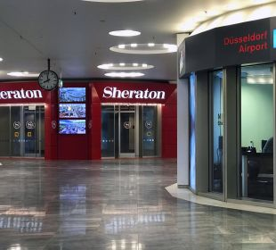 Hoteleingang Sheraton Düsseldorf Airport Hotel