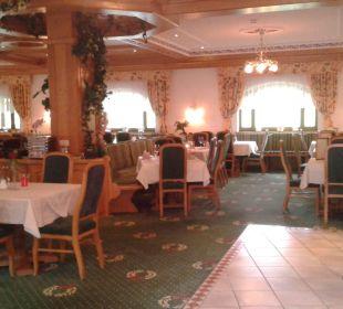 Blick ins Restaurant Alpenhotel Karwendel