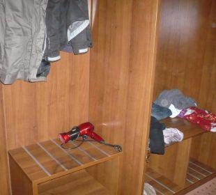 Garderobe und Schrank