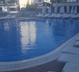 Pool Hotel Grand Zaman Beach