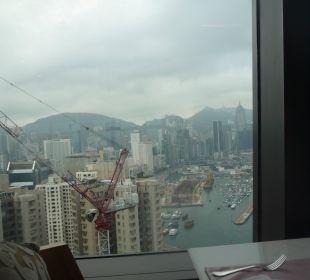 Ausblick vom Zimmer im 36. Stock Hotel Harbour Grand Hong Kong