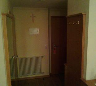 Eingang und Garderobe Hotel Zu den Drei Kronen
