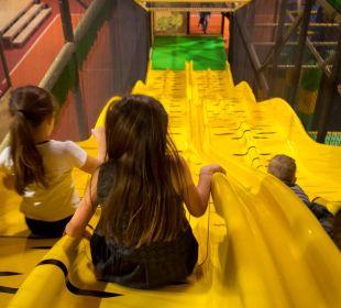 Rutschen im Kinderfunpark Thermenhotel Kurz