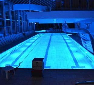 Therme am Abend Hotel Sole-Felsen-Bad