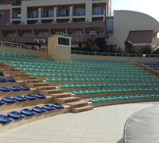 Show-Arena Hotel Titan Select