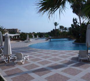 Pool Brayka Bay Resort