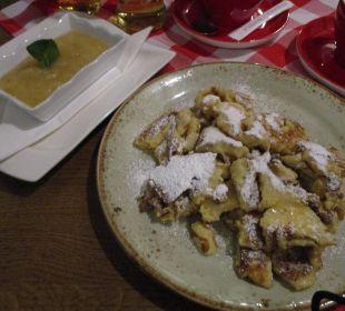 Kaiserschmarren mit Apfelmus ENZIANA Hotel Vienna