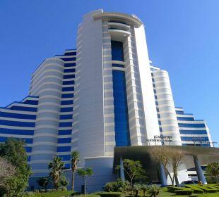 Straßenansicht Hotel Le Meridien Al Aqah Beach Resort