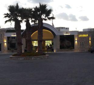 Hotel von vorne AKS Annabelle Beach Resort