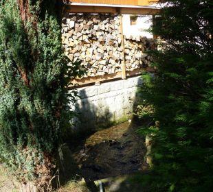 Kleines Bächlein im Garten Gasthof Sebnitztal