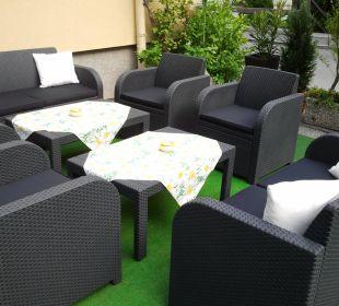 Schanigartl mit Lounge Hotel Kirchenwirt