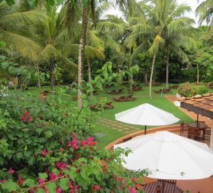 Schattiger Liegebereich Hotel Lanka Princess