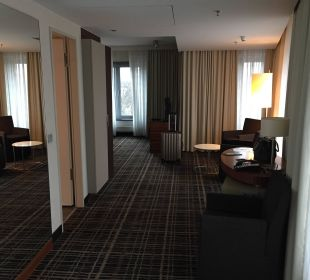 Zimmer/ Bad Dorint Hotel am Heumarkt Köln
