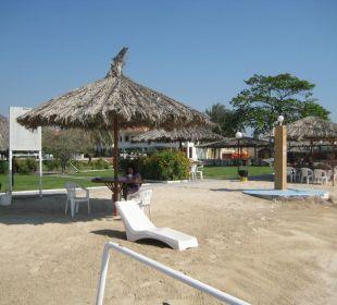 Strand Hotel Flamingo Beach Resort