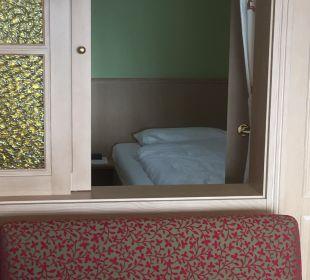 Kleines Schlafzimmer im hinteren Bereich Ringhotel Krone Schnetzenhausen