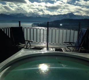 Private Terrasse mit Whirlpool Art Deco Hotel Montana Luzern